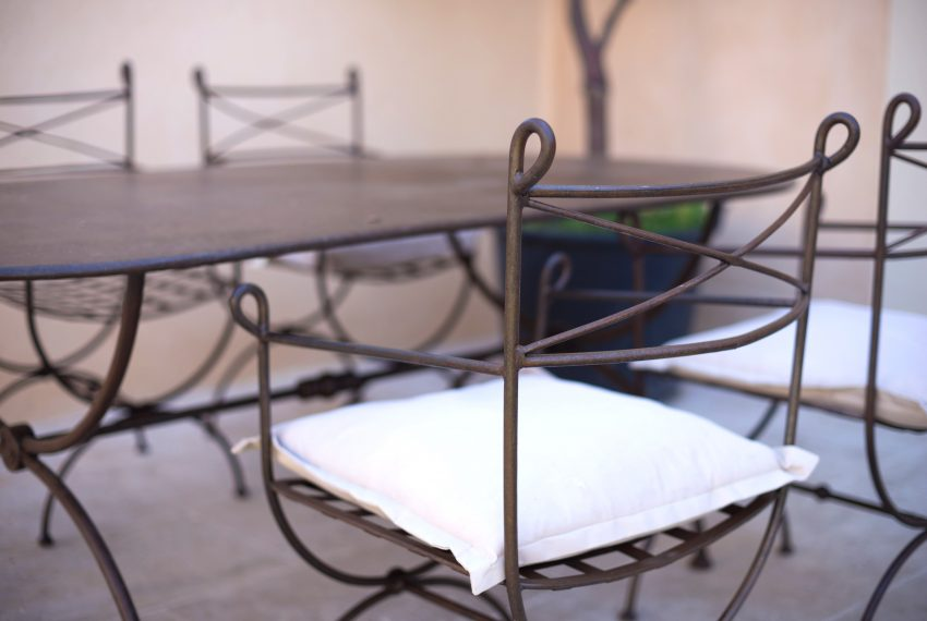 table exterieur saint tropez